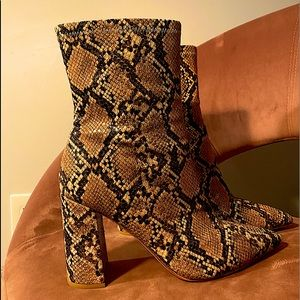 Vintage Faux Snakeskin Pointed Toe Boots